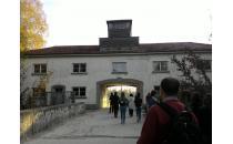 Bildungsreise der Jugendlichen nach Dachau