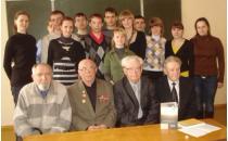 Treffen mit den Studenten an der historischen Fakultät